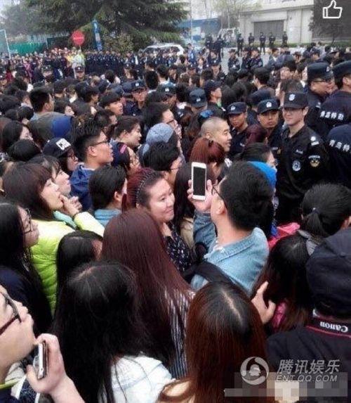 Phạm Băng Băng bỏ sự kiện vì 100.000 người ẩu đả, ngất xỉu - Ảnh 2