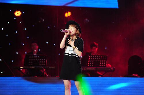 """Giọng hát Việt 2015: Lê Hữu Toàn """"đứng hình"""" khi được cả 4 HLV chọn - Ảnh 2"""