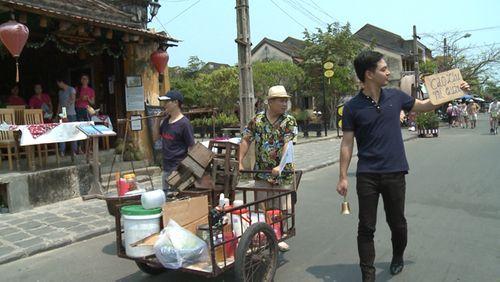 Nhạc sĩ Minh Khang chặn xe khách du lịch để bán hàng? - Ảnh 9