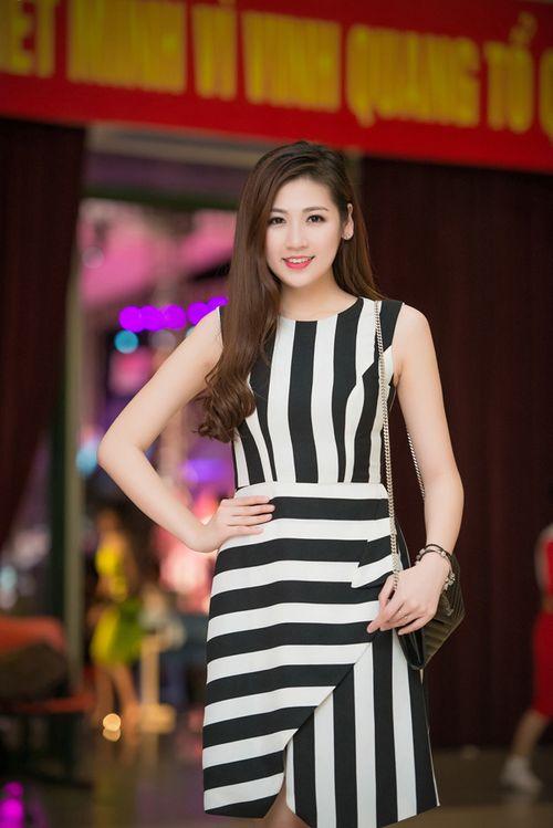 Á hậu Tú Anh tươi trẻ cổ vũ Đoàn TTVN ở SEA Games 28 - Ảnh 15