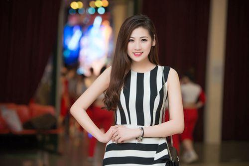 Á hậu Tú Anh tươi trẻ cổ vũ Đoàn TTVN ở SEA Games 28 - Ảnh 16