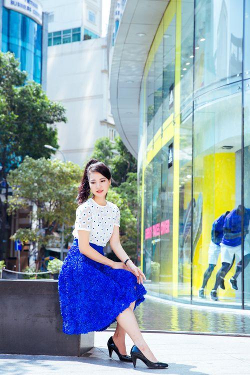 Hoa hậu Trần Thị Quỳnh tươi trẻ như nữ sinh - Ảnh 11