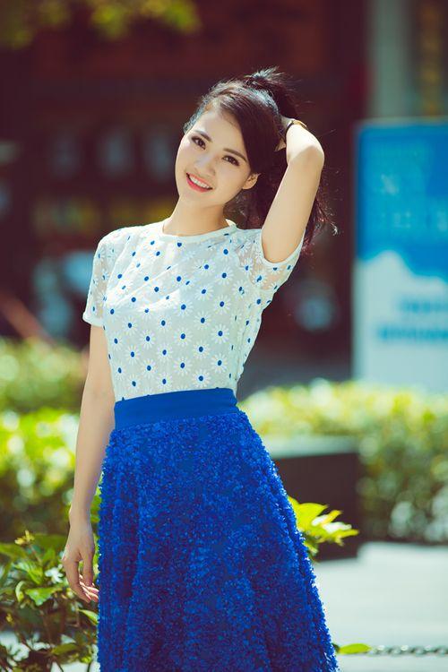 Hoa hậu Trần Thị Quỳnh tươi trẻ như nữ sinh - Ảnh 5