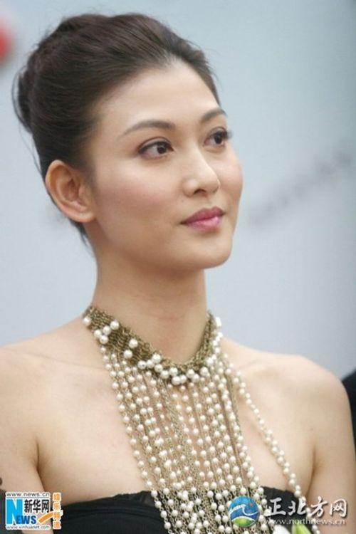 """Người đẹp Hồng Kông """"đổi đời"""" sau khi bị sếp ép bán dâm - Ảnh 3"""