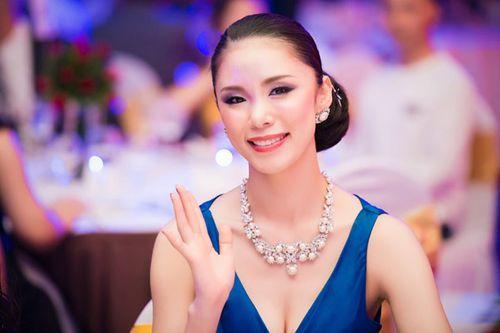 Chồng sắp cưới điển trai hộ tống Diễm Hương gặp gỡ hoa hậu Riyo Mori - Ảnh 5