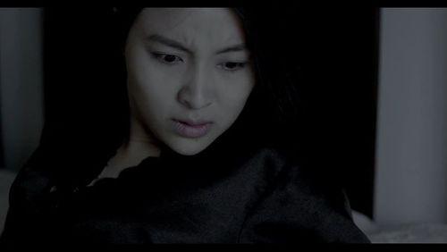 """Phim kinh dị """"Ngủ với hồn ma"""" tung trailer ghê rợn - Ảnh 2"""