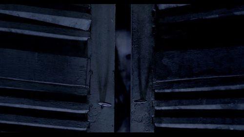 """Phim kinh dị """"Ngủ với hồn ma"""" tung trailer ghê rợn - Ảnh 7"""