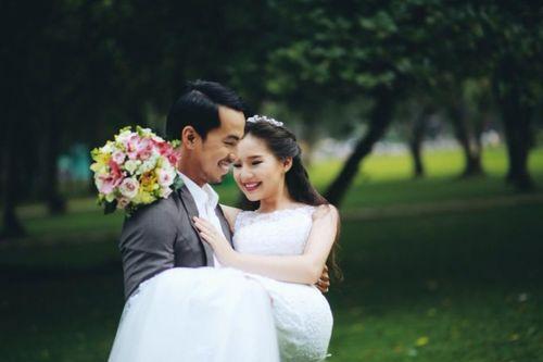 Chuyện tình cổ tích giữa Duy Nhân và người vợ trẻ - Ảnh 1