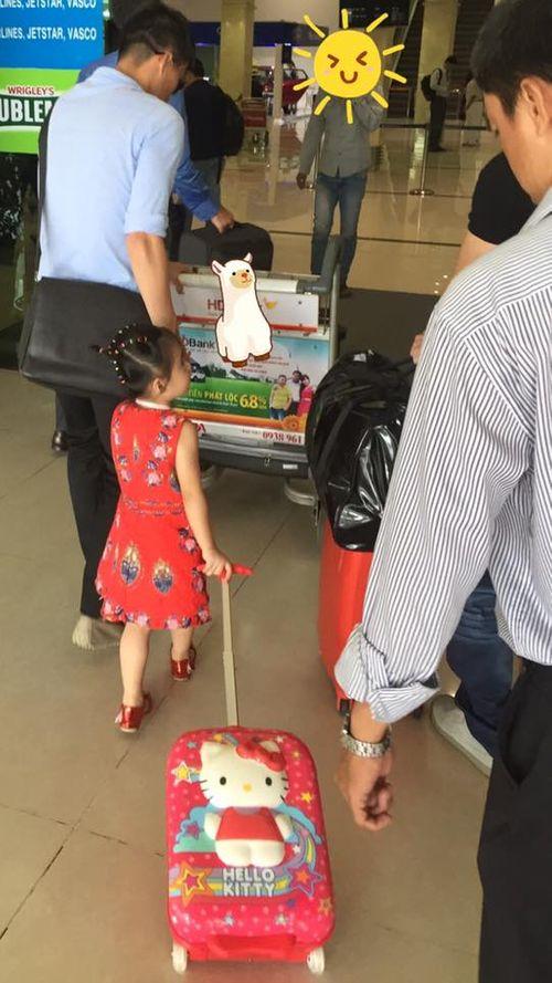 Xôn xao hình ảnh cận mặt con gái Thủy Tiên - Công Vinh - Ảnh 2