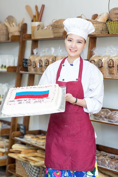 Hoa hậu Trần Thị Quỳnh biến hóa thành cô gái Nga xinh đẹp - Ảnh 11