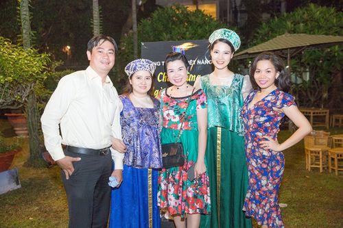 Hoa hậu Trần Thị Quỳnh biến hóa thành cô gái Nga xinh đẹp - Ảnh 7