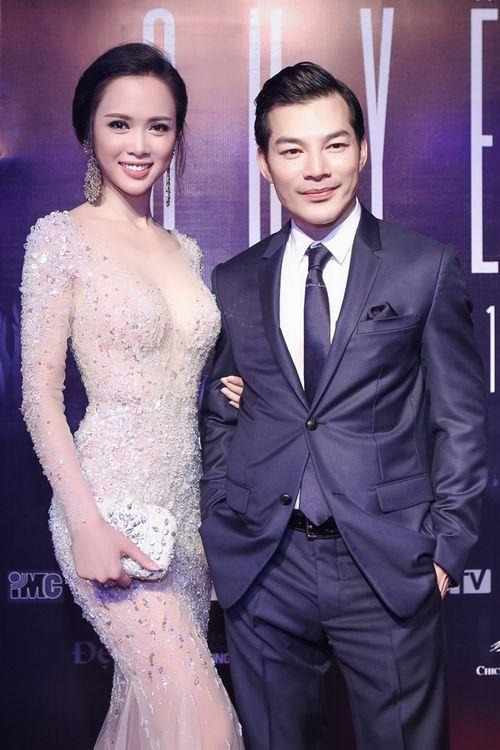 Vũ Ngọc Anh diện váy xuyên thấu gợi cảm bên Trần Bảo Sơn - Ảnh 8