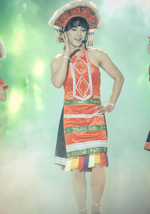 """Hoài Linh cười ngặt nghẽo gọi Mai Quốc Việt là """"sơn nữ đột biến gen""""  - Ảnh 4"""