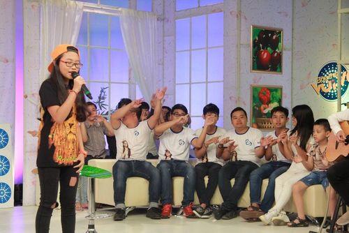 Phương Mỹ Chi hát dân ca bằng tiếng Anh khiến fan thích thú - Ảnh 2
