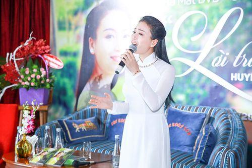 """Sao Mai Huyền Trang """"chào sân"""" bằng """"Lời trái tim"""" - Ảnh 3"""
