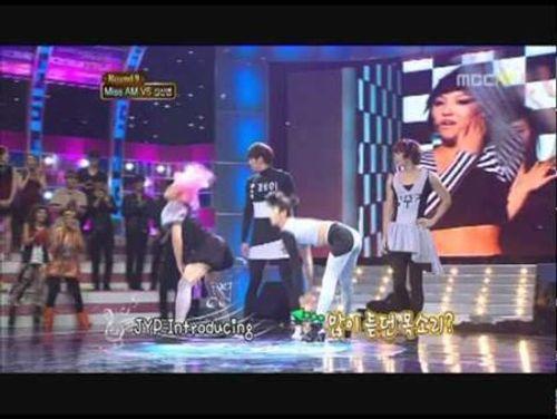 Cười chảy nước mắt với những màn giả gái của sao Hàn - Ảnh 5