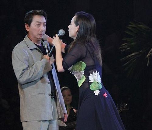 Sao Việt phản ứng thế nào khi bị cưỡng hôn như Kiss Cam? - Ảnh 19
