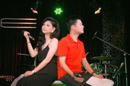 Thanh Thảo mặc gợi cảm, tựa vai Quang Dũng hát tình ca - Ảnh 2