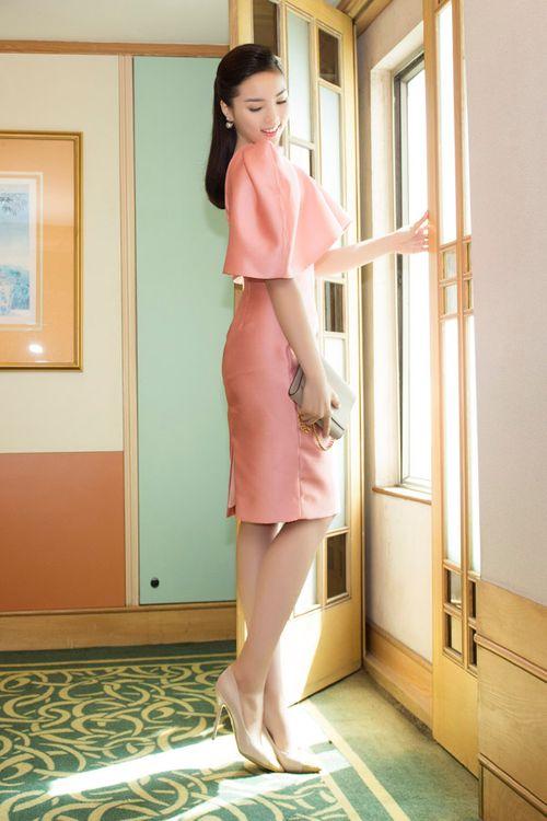 Hoa hậu Kỳ Duyên gây chú ý vì mặc đầm quá diêm dúa - Ảnh 5