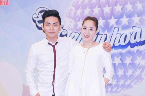 """Khánh Thi cùng """"tình trẻ"""" Phan Hiển """"làm khó"""" các tài năng nhí - Ảnh 1"""