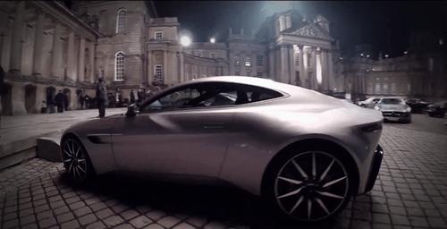Điệp viên 007 khoe dàn siêu xe hoành tráng tại Rome - Ảnh 1