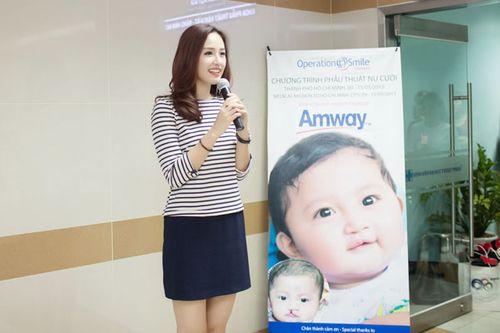Hoa hậu Mai Phương Thúy giản dị đi làm từ thiện - Ảnh 5