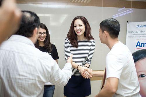 Hoa hậu Mai Phương Thúy giản dị đi làm từ thiện - Ảnh 7