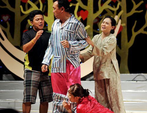 """Chí Tài và những sự cố """"khóc dở mếu dở"""" trên sân khấu - Ảnh 2"""
