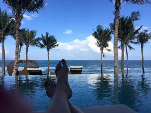 Cận cảnh kỳ nghỉ xa hoa của vợ chồng Thủy Tiên, Công Vinh - Ảnh 3