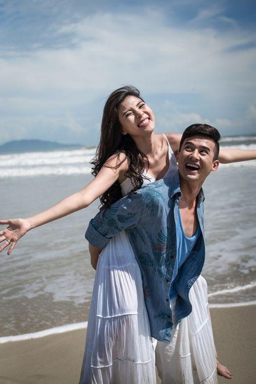 Lương Thế Thành cõng Thúy Diễm khi chụp ảnh cưới trên biển - Ảnh 5