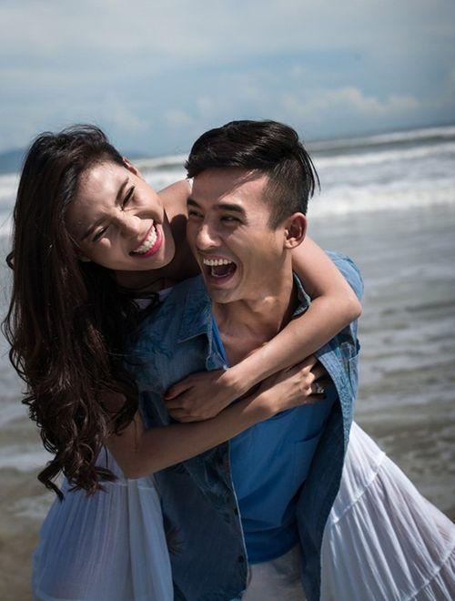 Lương Thế Thành cõng Thúy Diễm khi chụp ảnh cưới trên biển - Ảnh 6
