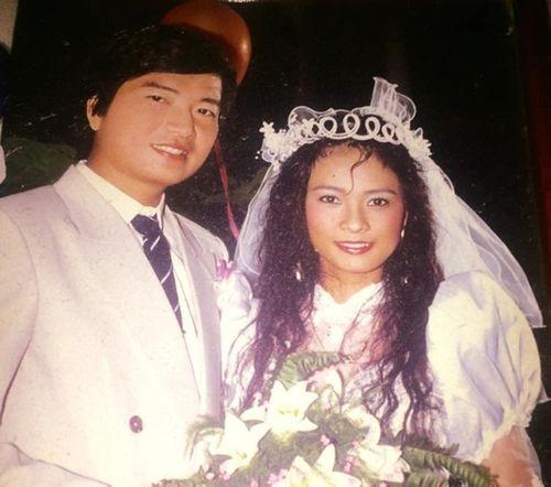 Ảnh cưới đặc biệt và chuyện tình ly kỳ của các sao thập niên 90 - Ảnh 11