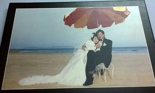 Ảnh cưới đặc biệt và chuyện tình ly kỳ của các sao thập niên 90 - Ảnh 2