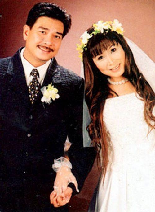 Ảnh cưới đặc biệt và chuyện tình ly kỳ của các sao thập niên 90 - Ảnh 5