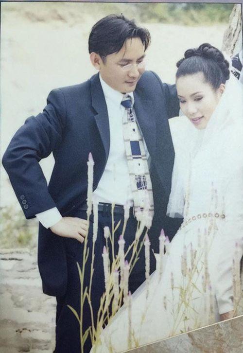 Ảnh cưới đặc biệt và chuyện tình ly kỳ của các sao thập niên 90 - Ảnh 10