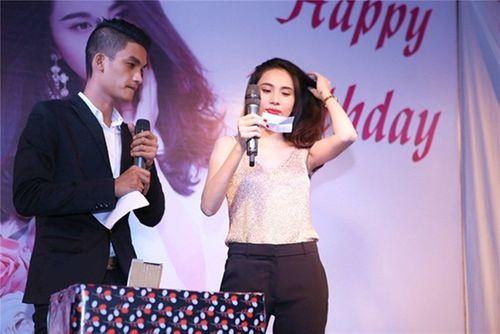 Thủy Tiên tiết lộ quá khứ đi hát lô tô ở hội chợ - Ảnh 9