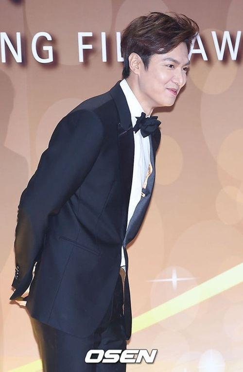 Lee Min Ho chiến thắng ở lễ trao giải bị ghẻ lạnh của Hàn Quốc - Ảnh 3