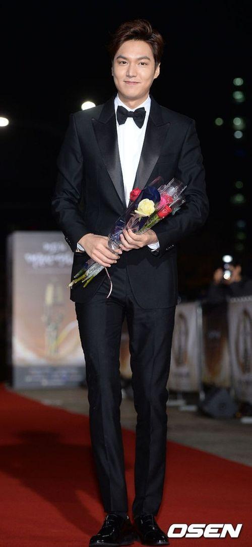Lee Min Ho chiến thắng ở lễ trao giải bị ghẻ lạnh của Hàn Quốc - Ảnh 5