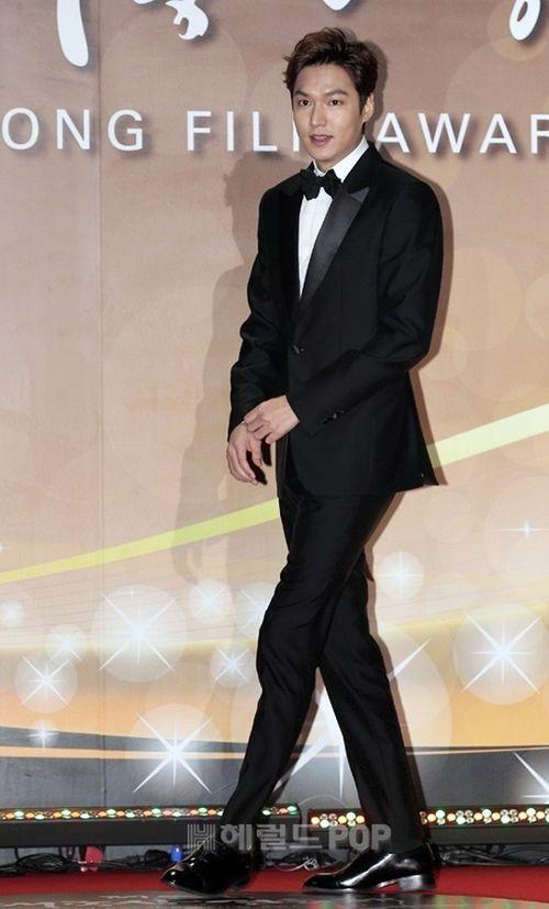Lee Min Ho chiến thắng ở lễ trao giải bị ghẻ lạnh của Hàn Quốc - Ảnh 6