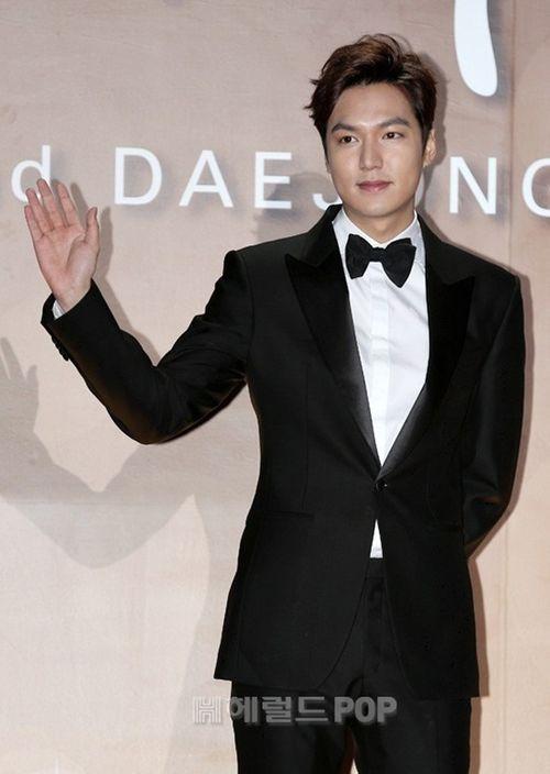 Lee Min Ho chiến thắng ở lễ trao giải bị ghẻ lạnh của Hàn Quốc - Ảnh 7