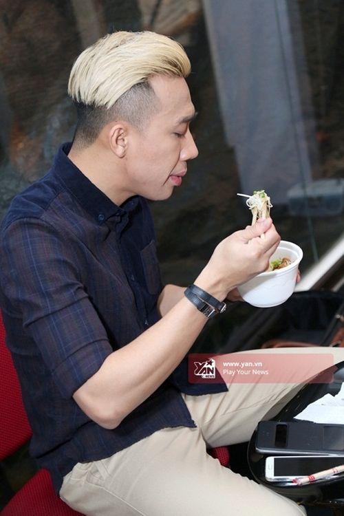 Thủy Tiên ngăn cản Công Vinh tham gia gameshow vì... sợ mất chồng - Ảnh 20