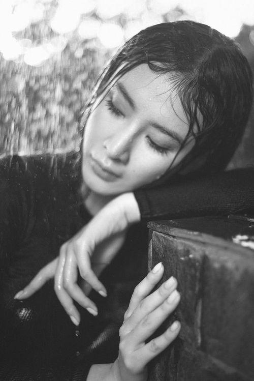 Angela Phương Trinh diện đồ tắm gợi cảm thiêu đốt mọi ánh nhìn - Ảnh 5