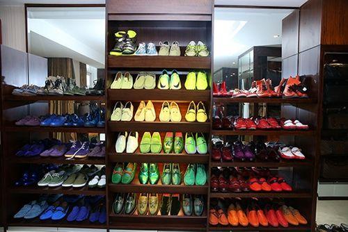Choáng ngợp trước BST 600 đôi giày hiệu của Đàm Vĩnh Hưng - Ảnh 12