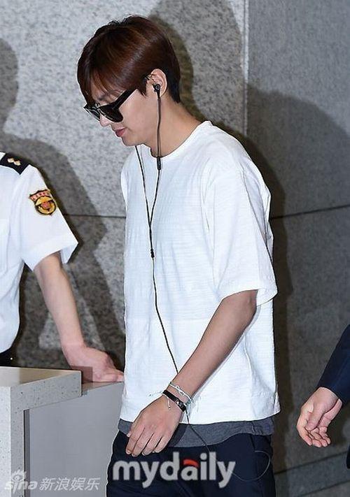 """Lộ ảnh béo ú của """"mỹ nam"""" Lee Min Ho khiến fan thất vọng - Ảnh 4"""