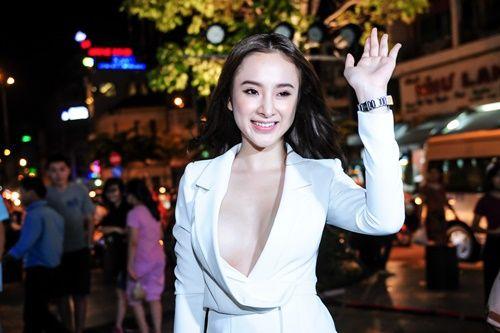 Angela Phương Trinh gợi cảm quá đà gây sốc trong sự kiện - Ảnh 2