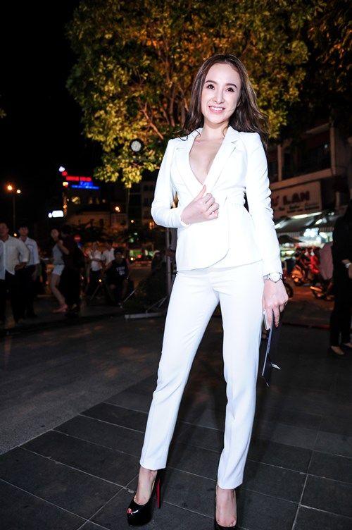 Angela Phương Trinh gợi cảm quá đà gây sốc trong sự kiện - Ảnh 5