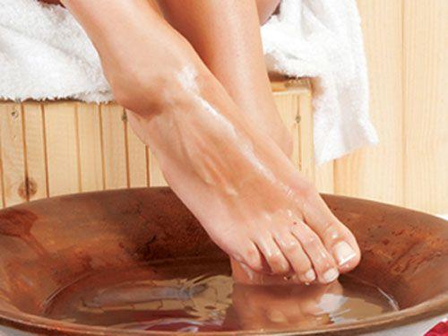 Sự thực việc phải tháo khớp vì ngâm chân nước nóng - Ảnh 1
