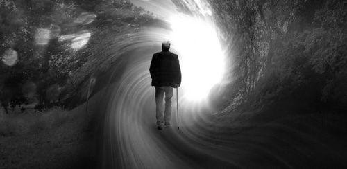 """Bí ẩn thế giới bên kia qua lời kể những người """"chết đi sống lại"""" - Ảnh 3"""