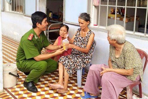 Gặp anh công an vui tính nhất Việt Nam trong clip gây sốt mạng - Ảnh 2
