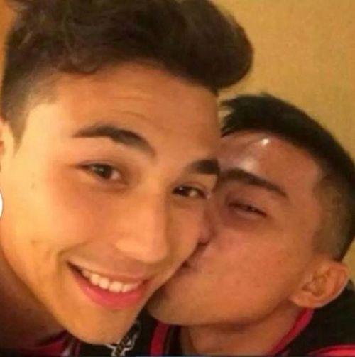 Hot boy ĐT Thái Lan tung ảnh 'nóng' chứng minh giới tính - Ảnh 2